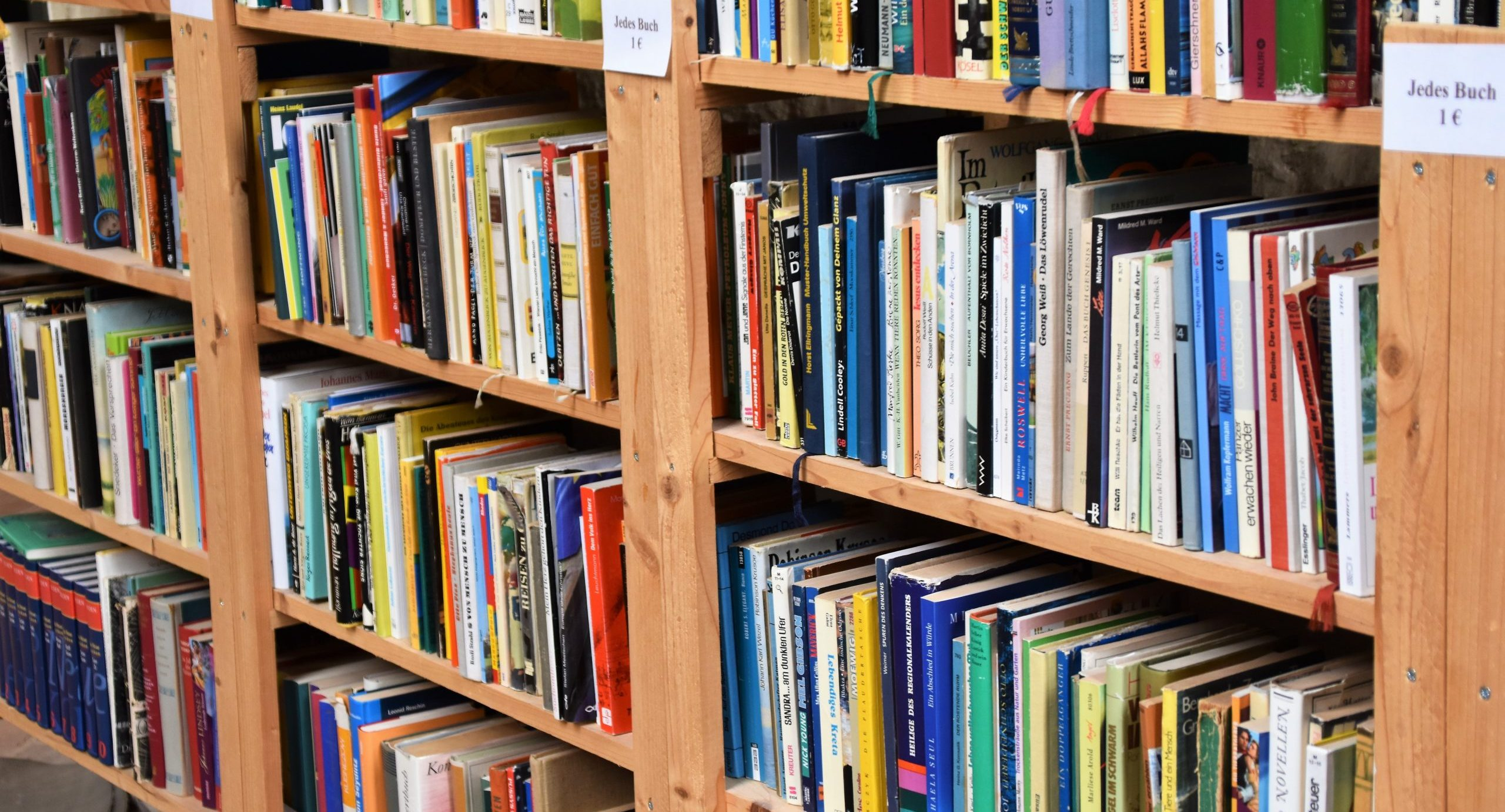 Storybild  buy-books-buy-local 01