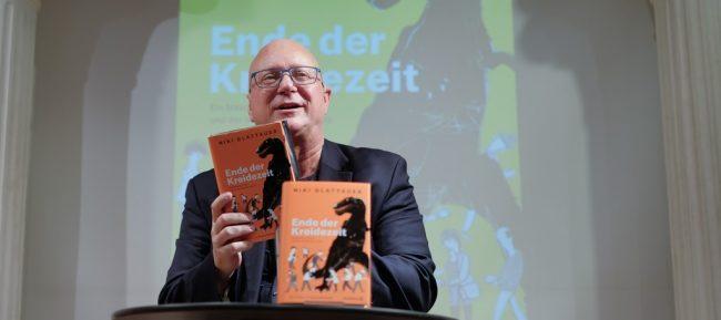 Storybild  lesung-niki-glattauer-und-sein-neues-buch-ende-der-kreidezeit 01