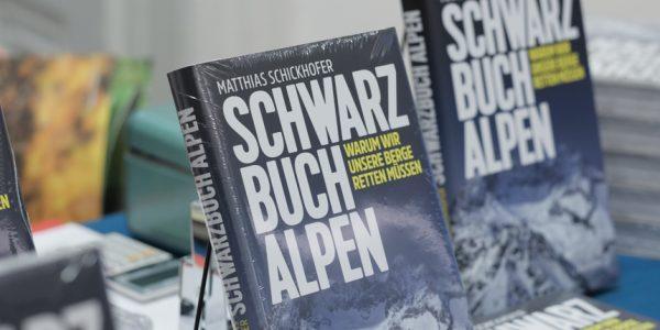 Storybild  schwarzbuch-alpen-ist-preistraeger-der-itb-buch-awards-2018 01